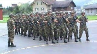 Video Quand l'armée pète un plomb #2 (reprises, fanfares, chorégraphies) MP3, 3GP, MP4, WEBM, AVI, FLV Oktober 2017