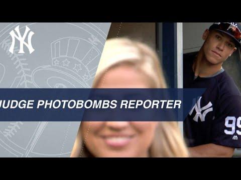 Aaron Judge, Ryan Ruocco photobomb Meredith Marakovits' segment