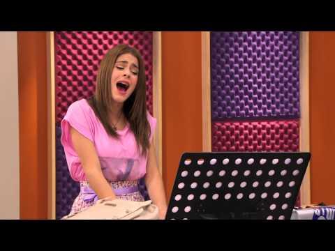 "Violetta: Momento musical - Violetta canta ""Podemos"""
