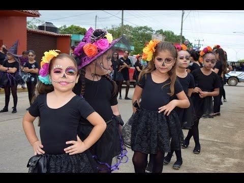 Recorrido de día de muertos de la escuela de baile Flash Dance