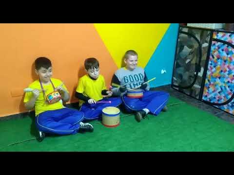 Alunos do 5o ano Integral na Percussão