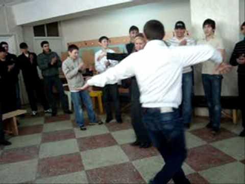 Очень красивый чеченский танец