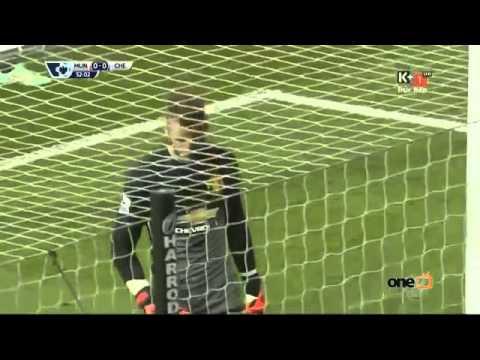 Pha cản phá xuất thần của De Gea trong tình huống đối mặt với Hazard