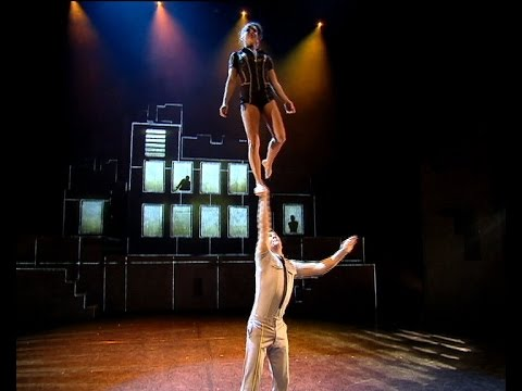 Cirque �loize iD�stuns Top Billing