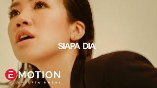 Download lagu Agatha Suci Siapa Dia Mp3