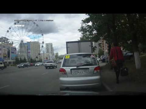 Лица кавказской национальности вскрыли авто у друга.