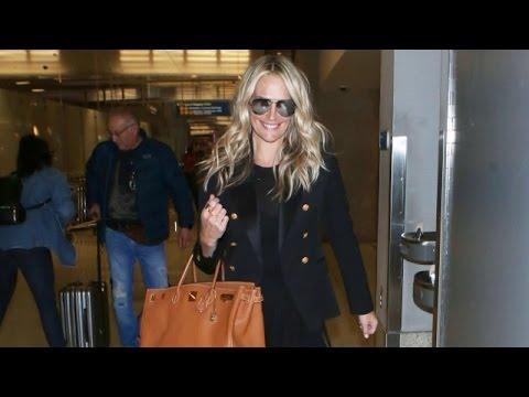 Blonde Beauty Molly Sims Gets A TSA Pat Down At LAX