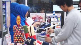 Video A SOFT DRINK TURNS INTO ORANGE JUICE MAGIC TRICKS - abracadaBRO Street Magic Prank Indonesia MP3, 3GP, MP4, WEBM, AVI, FLV Januari 2018