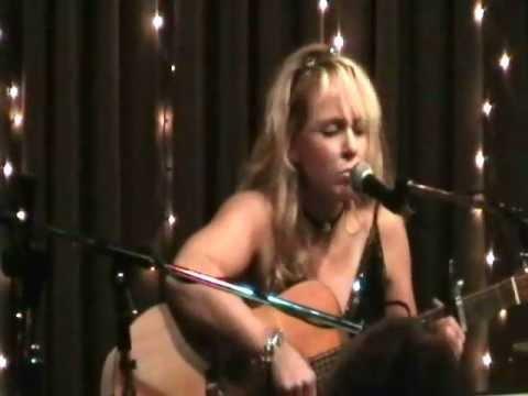 Donna Hughes performing
