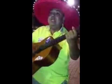 Mexikaner singt lustige Lieder