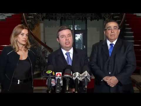 Anastasia anuncia corte de gastos na administração e economia de R$ 1 bi