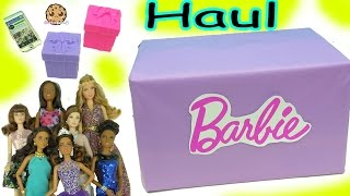 Video Giant Box of Barbie Dolls (Quinceañera, Pool Chic, Festival + More) Haul Video MP3, 3GP, MP4, WEBM, AVI, FLV Agustus 2018