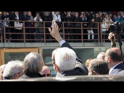 Mattarella a Locri: mafia non ha pietà. E alla politica: basta zone grigie