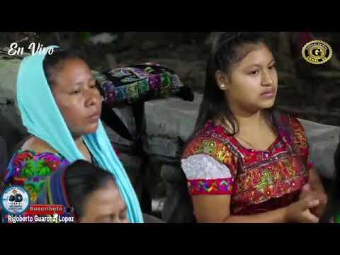 Pascuala Tulul cantando en Pual Haj Guineales
