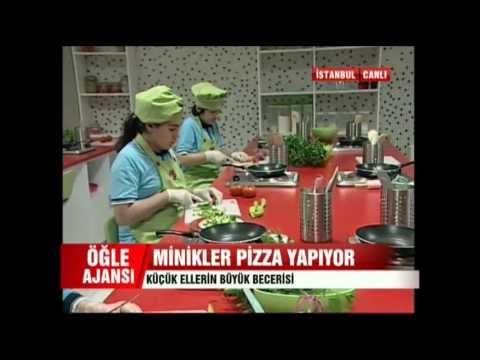 Minik Eller Pizza Yapıyor