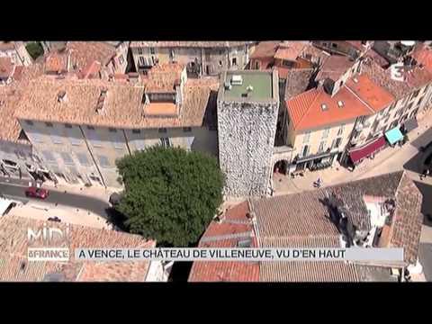 Tour de Vence par Frédéric Soulié Construite au XIIe siècle, la Tour de Vence est annexée au XVe siècle par les Villeneuve pour l'ajouter à leur château, malgré les protestations de la Commune. La façade ouest conserve son aspect original avec ses archères indiquant un escalier intérieur. Les fondations se situent probablement au-dessous du niveau actuel du sol.