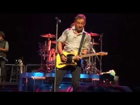 ''Treat Her Right'' - Bruce Springsteen & the E Street Band - Albany, NY May 13th, 2014