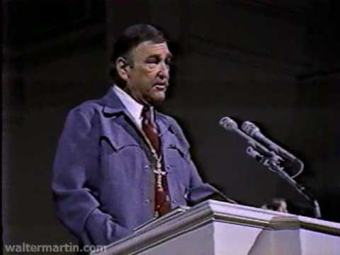 Dr. Walter Martin – Part 1 of 2 – Jehovah's Witnesses and Jesus Christ 1983