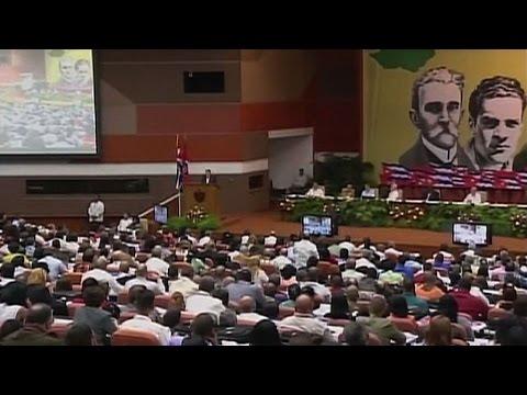 Raúl Castro ironiza sobre demócratas y republicanos de EE.UU.