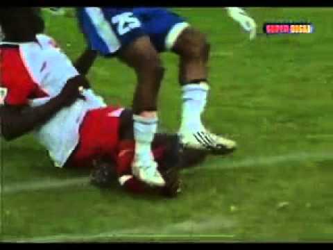 main bola patah kaki N mati.....