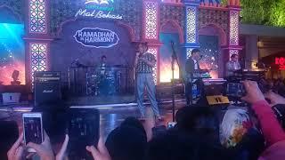 Video Payung Teduh - Akad (Cover Marion Jola Idol) Live Show SUMMARECON MALL BEKASI MP3, 3GP, MP4, WEBM, AVI, FLV Juni 2018