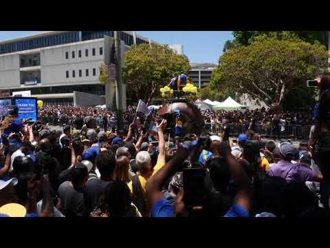 MC Hammer at 2018 Warriors Championship Parade in Oakland