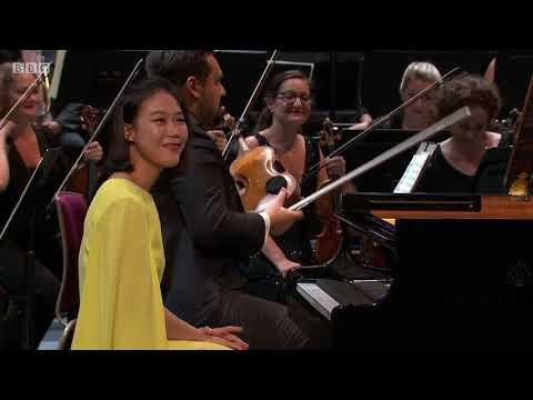 Mozart's Piano Concerto No 15 in B flat, K450  - Yeol Eum Son