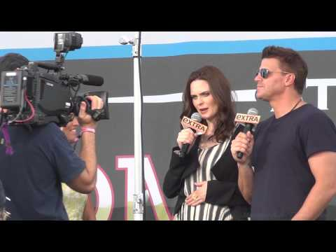 Bones Extra Interview w/ Emily and David at Comic Con 2012