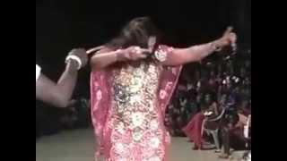 Video Vidéo danse - Boury Bathily la femme de Balla Gaye 2 sur scène MP3, 3GP, MP4, WEBM, AVI, FLV Oktober 2017