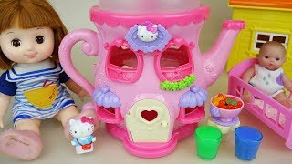 Baby doll and Hello Kitty kettle house toys play