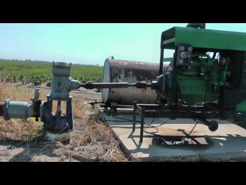 6 cylinder diesel engine driving 3300 gpm center pivot irrigation pump (Rode Videomic.m2ts)