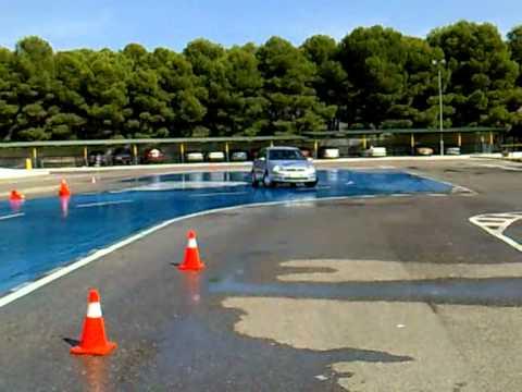 Curso de conducción de vehículos Todo Terreno 4×4, en campo, asfalto y rescates 24 horas   3 días