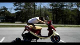 6. 2009 Genuine Buddy 150 Pamplona Scooter Review