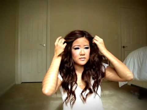 wavy hair - This is a demonstration on how I curl my hair. This look is really simple, and looks effortlessly gorgeous!