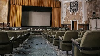 Nonton Abandoned Vintage 1970's Movie Theater with Bonus Footage Film Subtitle Indonesia Streaming Movie Download