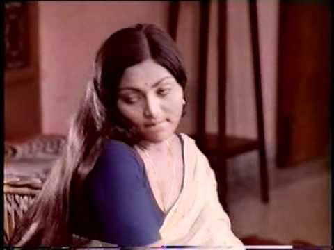 Video SARITHA ACTRESS DEEP CLEVAGE download in MP3, 3GP, MP4, WEBM, AVI, FLV January 2017