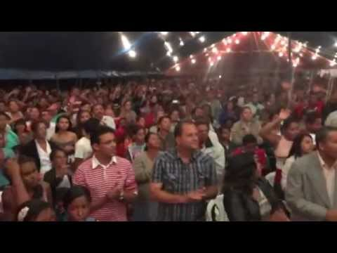 Cantor Cícero Mendes na Tenda do Milagre em Itambé-BA 05-09-2012
