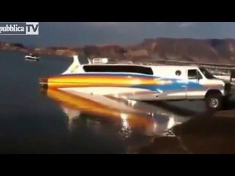la barca che si trasforma in un automobile