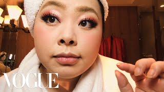 Video Naomi Watanabe's Guide to Glitter Eyes and Bold Lips | Beauty Secrets | Vogue MP3, 3GP, MP4, WEBM, AVI, FLV April 2018