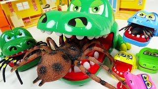 Video 악어 가족의 무서움을 보여주마!! 대왕거미 다 덤벼!! - 두두팝토이 (Crocodile Family VS Giant Spider) MP3, 3GP, MP4, WEBM, AVI, FLV Desember 2017