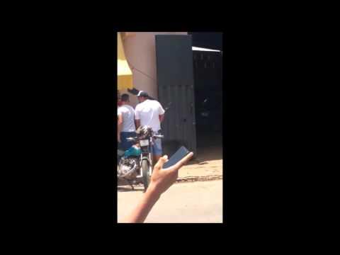 Assaltantes fazem reféns na agência dos Correios em Papagaios