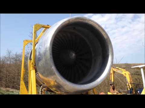 odpalanie-silnika-z-boeinga-747-na-podworku