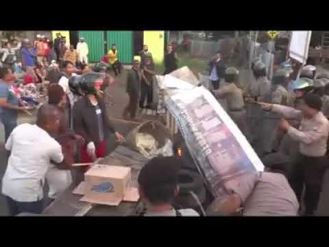 Relokasi  pedagang pasar haji Sani ricuh di kabupaten Ketapang Kal-bar
