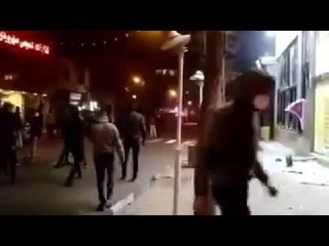 متظاهرون يهاجمون المحلات والمراكز  انتقاما لقتل القوات الأمنية عددا من المتظاهرين في إيران