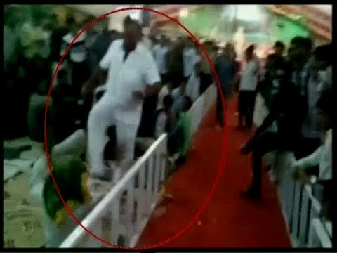 Viral-video-BJPs-Gujarat-MP-Vitthal-Radadia-kicks-an-old-man