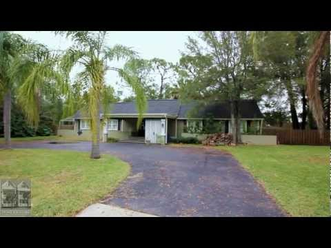 FOR RENT:  Large South Tampa bungalow with pool on 2 lots!