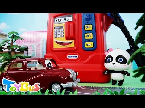 Baby Panda Taxi Driver | Kiki's Car is out of Gas | Policeman Role Play | ToyBus (видео)