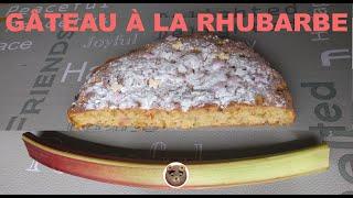 Délicieux gâteau à la rhubarbe
