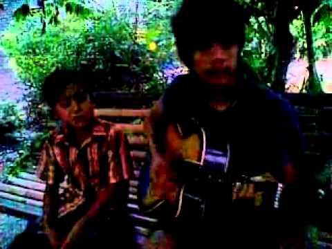 Laonies Band Menyentuh Hati - Video71.Com