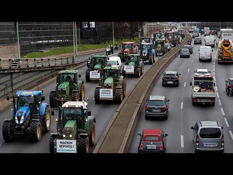 Γαλλία: Στους δρόμους τα τρακτέρ- Αγρότες εναντίον Μακρόν…